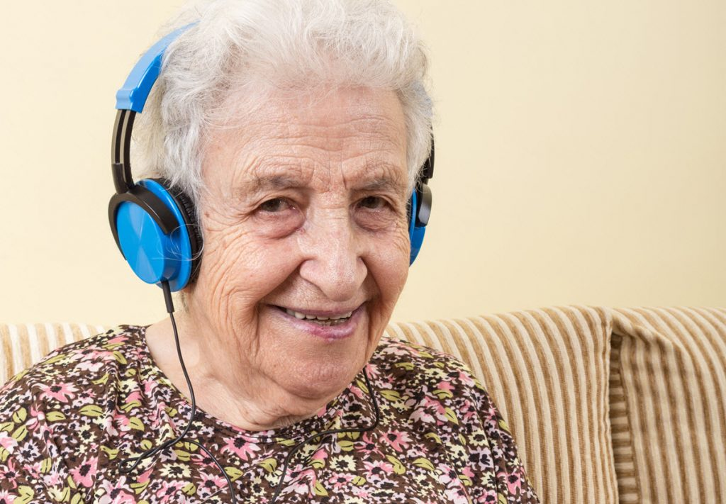 Hearing Impairment Considerations in User Interface for Older People